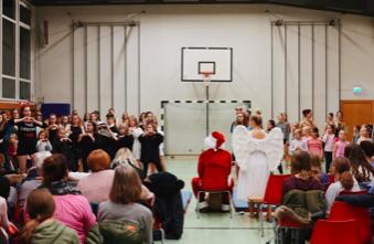 BB Weihnachtsfeier Nikolaus und Engel